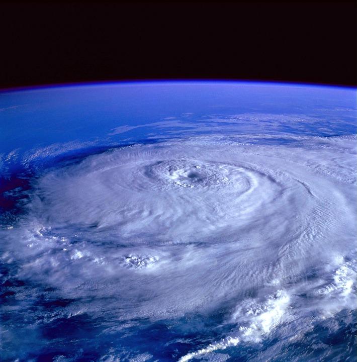 hurricane-92968_960_720