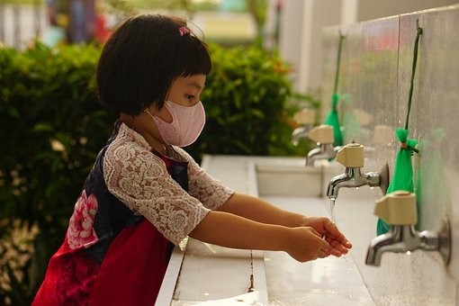 mask wash hands